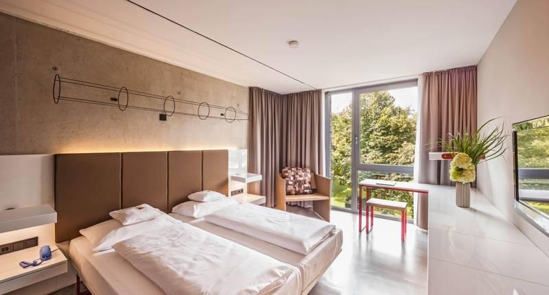 burns art cologne in keulen de beste aanbiedingen. Black Bedroom Furniture Sets. Home Design Ideas
