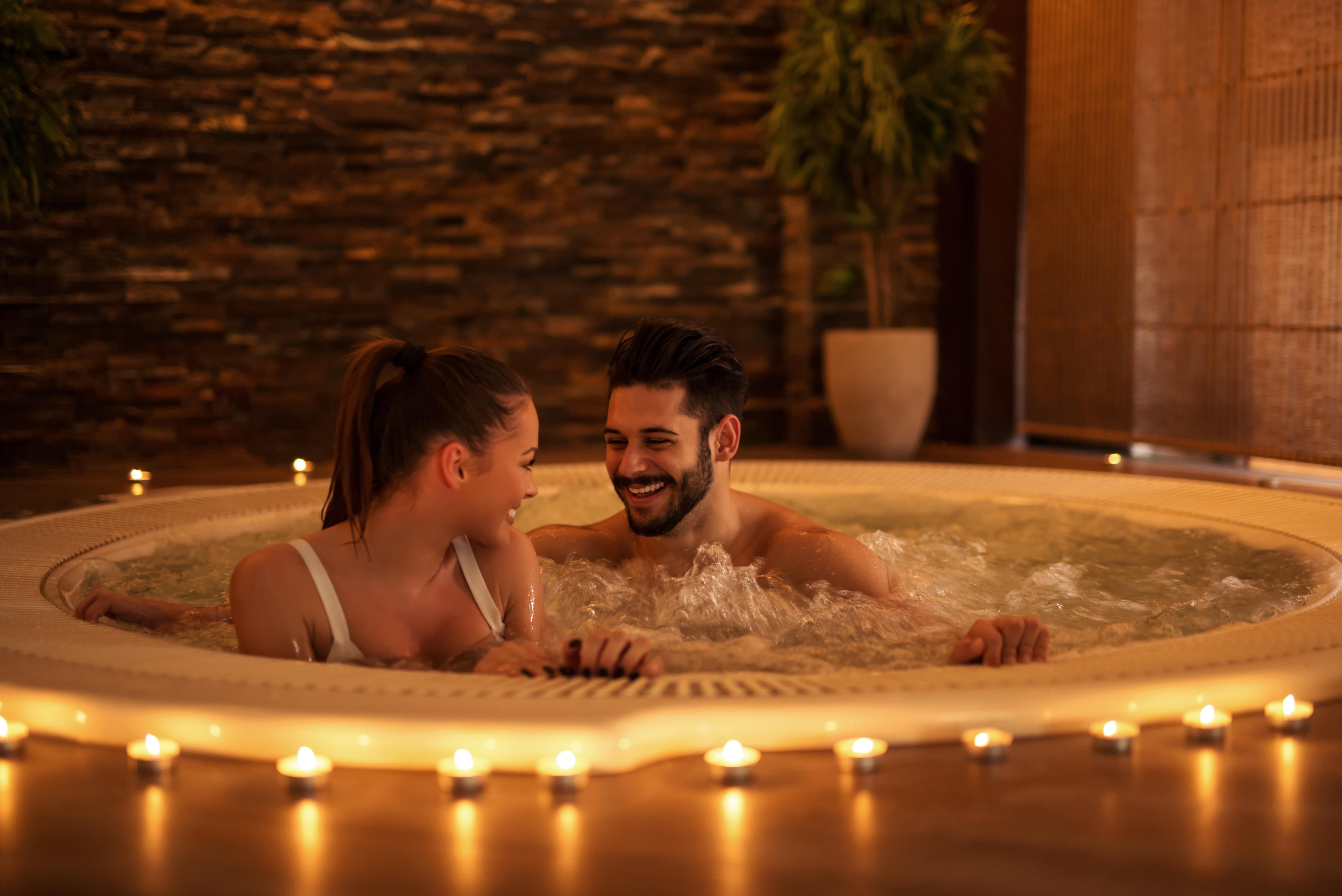 Hotel Met Jacuzzi Op De Kamer Romantiek Gegarandeerd